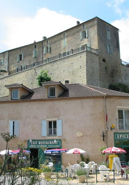 Auberge des Moulins in Blanquefort sur Briolance, is a little bar/restaurant below the Chateau Blanquefort.  It is run by an English couple Geoff and Annie.  Annie does some great food, with a lot of fresh produce from her garden