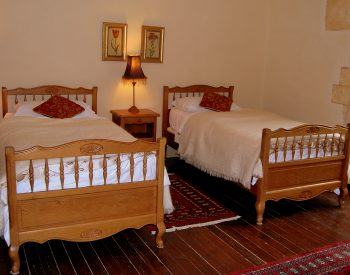 Manoir Seguinet twin bed