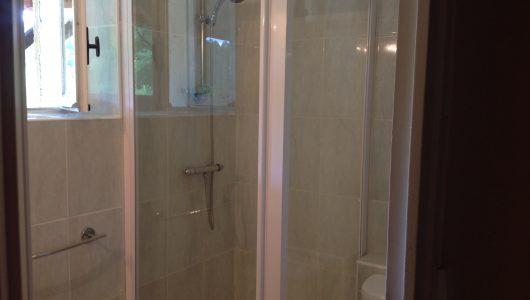 Millers Cottage shower