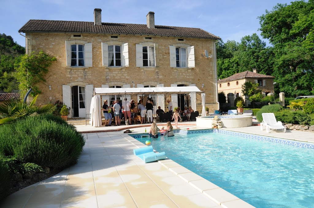 Flights to Bergerac from England